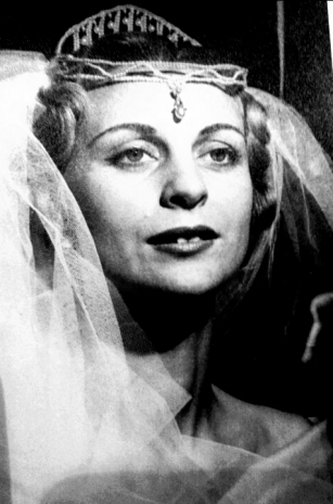 Mom as a bride - model